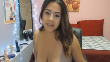 Busty Blonde Babe Getting Wild on Cam