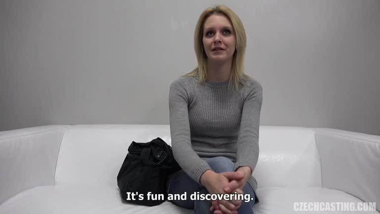 Veronika  New Blonde, Casting