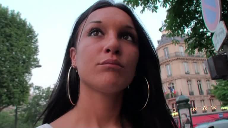 Youna Jeune Beauté Brune