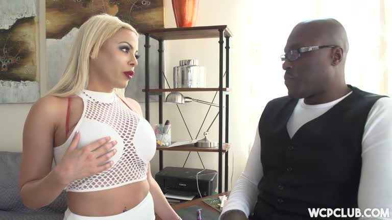 Luna Star Loves It Big And Black