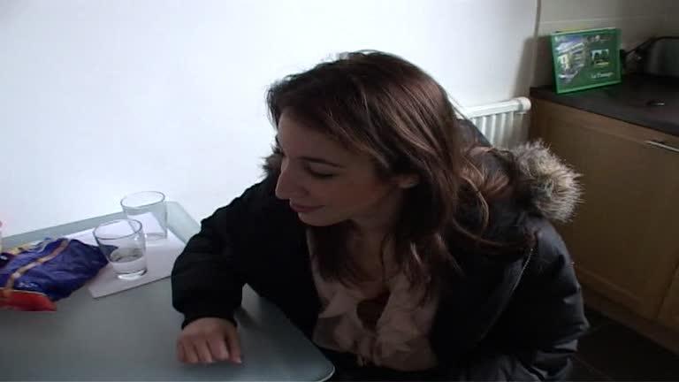 Julia Jeune Et Jolie Coquine!