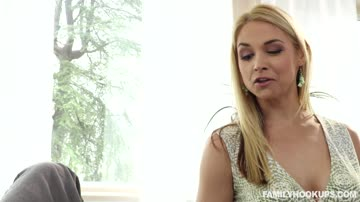 Sarah Vandella Sexual Chores with Stepmom