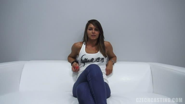 Renata Teen Brunette, Casting