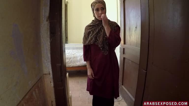 Lucia - No Money, No Problem - Arab Sex