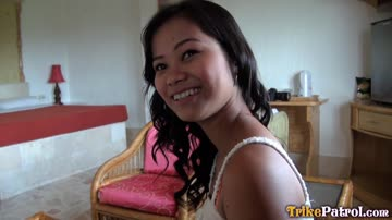 Sissi – cute Filipina amateur babe in POV sex