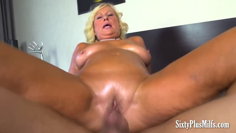 Mature smoking handjob and blowjob hole
