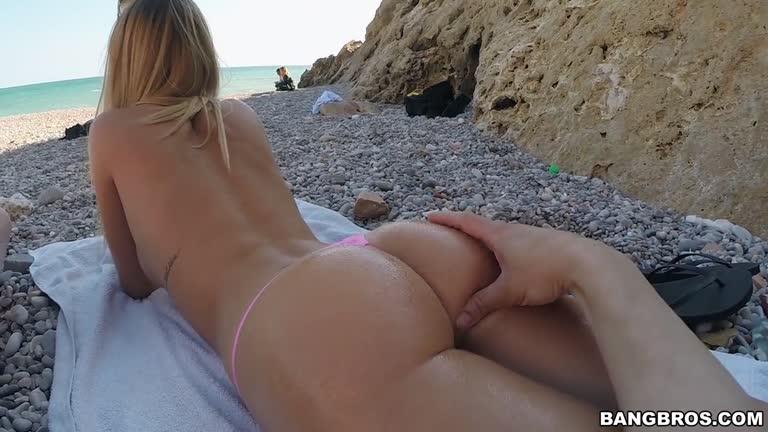 Sexy Teen Fucked The Beach