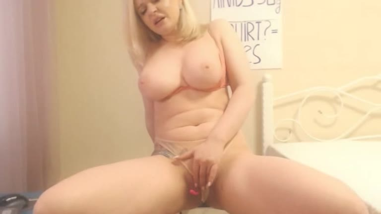 Petite Blonde Solo Dildo